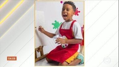Menino de 7 anos morre baleado enquanto brincava no portão de casa, no Rio de Janeiro - Ele foi morto enquanto brincava na porta de casa, na Baixada Fluminense. Ítalo é a 6ªcriança morta em circunstâncias semelhantes, no Rio, só este ano.