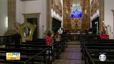 Festa do Carmo: padroeira é celebrada com público reduzido e agendamento para novenário - Pela primeira vez em mais de 300 anos, festa para Nossa Senhora do Carmo não tem procissão.