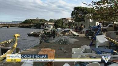Pescadores de Peruíbe pedem ajuda - Ciclone bomba destruiu vários barcos.