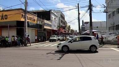 Salões e barbearias voltam a funcionar na Região Metropolitana de Aracaju - Essa é a fase laranja de reabertura proposta pelo governo do estado. Os estabelecimentos vão funcionar em dias alternados, abrindo às terças, quintas e sábados.