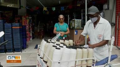 Vendedor de caldinho há 13 anos enfrenta impactos da pandemia com muita garra - A repórter Clarissa Góes foi conhecer a história de seu Marconi de Paulista.