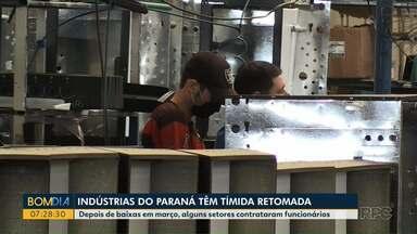 Indústrias do Paraná têm tímida retomada - Depois de baixas em março, alguns setores contrataram funcionários.