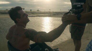 Kite Surfe no Ceará - O Kite Surf sempre foi um sonho distante de Fernando Fernandes. Não existiam pranchas adaptadas e o trabalho teve que ser feito do zero. Os ventos mostraram que existia ali uma forma de liberdade, nunca experimentada.