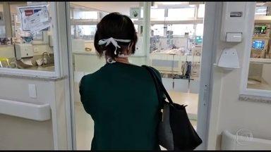 Famílias sofrem com a internação de mais de um parente com coronavírus - No hospital de referência para atendimento de pacientes graves em São Paulo, é comum encontrar famílias angustiadas com a internação de mais de um parente.