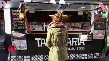 Empresária brasileira conta como foi a reabertura dos restaurantes na Alemanha - Mariana mora em Berlim e tem um restaurante especializado em tapioca. Veja o vídeo.