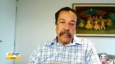 Psiquiatra fala sobre consumo excessivo de álcool na pandemia - Evaldo Melo explica se o consumo exagerado de bebidas alcoólicas por jovens é um reflexo do comportamento dos pais.