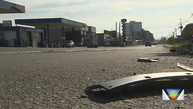 Motociclista atropelado em Pindamonhangaba morre em hospital - Ele era socorrido por outras quatro pessoas, que também foram atingidas