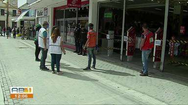 Prefeitura de Caruaru realiza fiscalizações no comércio - Lojas reabriram no dia 13 de julho.