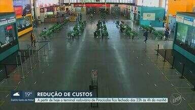 Em Piracicaba, Terminal Rodoviário fecha das 23h às 4h a partir desta quarta-feira - De acordo com a administração do local, a medida é por causa de contenção de custos, já que o movimento caiu 80% durante a pandemia. O quadro de funcionários também reduziu para 30%.