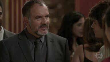 Germano surpreende ao aparecer em evento de Lili e Rafael - Empresário explica que faz questão de continuar sendo amigo da ex-mulher