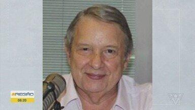 Jornalista José Paulo de Andrade morre aos 78 anos - Apresentador do programa 'O Pulo do Gato', da Rádio Bandeirantes, estava internado no Hospital Albert Einstein. Ele estava internado no Hospital Albert Einstein desde o dia 7 de julho após ser diagnosticado com coronavírus.