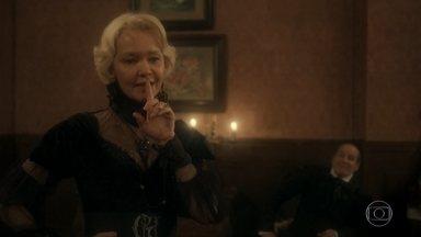 Greta diz a Schultz que irá se casar com Ferdinando - Ela planeja separar Diara de Wolfgang e ainda ficar com o botânico