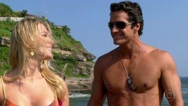 Ferdinand arma plano contra Quinzé - Ele convence uma garota da praia a participar do plano contra o filho de Griselda. A jovem procura Quinzé na loja do Pereirão e deixa Deborah desconfiada