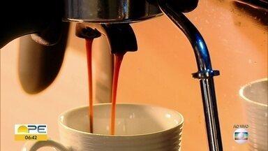 Saiba quais são os benefícios do café para a saúde - Nutricionista explica de que forma a ingestão da bebida pode melhorar o funcionamento do organismo.