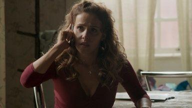 Leonor conta para Gilda que Germano foi ao bar de Dino - A mãe de Eliza fica aliviada ao saber que a amiga confirmou a morte do caminhoneiro, falso pai de Eliza