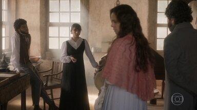 Peter e Amália visitam Libério e Cecília na redação - Eles pedem mais detalhes da joia que Cecília vendeu