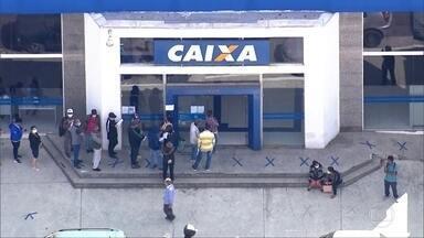 Brasileiros que aderiram ao saque-aniversário do FGTS vão poder fazer empréstimo - Iniciativa da Caixa é para ajudar quem aderiu a este tipo de saque, mas acabou desempregado e não pôde sacar todo o fundo.