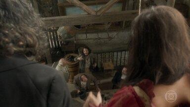 Hugo convence os patrocinadores a voltarem à taberna - O escravo de Licurgo e Germana oferece outro prato da casa, preparado por ele