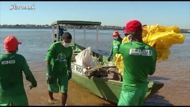 Em Marabá, garis atuam em barcos para limpar os rios da região - Em Marabá, garis atuam em barcos para limpar os rios da região