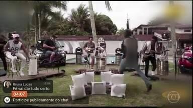 Operação em Angra dos Reis interrompe show que era transmitido ao vivo nas redes sociais - A apresentação era do grupo de pagode Aglomerou. Os artistas se apresentavam numa casa de festas em Angra dos Reis, no Rio de Janeiro, quando foram abordados pela polícia.