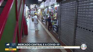 Lojistas do Mercado Central em BH sentem reflexos da pandemia e anunciam fechamento - Trinta lojas não devem reabrir depois da pandemia. Fluxo do público passou de 31 mil pessoas por dia para 2 mil.