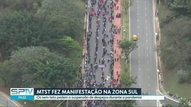 MTST fez manifestação na Zona Sul da capital contra despejo durante pandemia - Os sem-teto pedem a suspensão de despejos durante a pandemia.