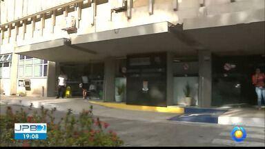 Quatro bebês contraem Covid-19 e hospital de João Pessoa bloqueia novas internações na UTI - Hospital Universitário Lauro Wanderley também não irá atender novas gestantes na maternidade.