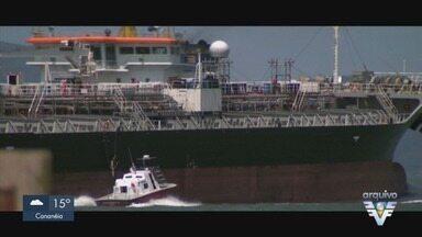 Dois navios entram em quarentena no Porto de Santos - Após tripulantes testarem positivo para Covid-19, embarcações entraram em quarentena.