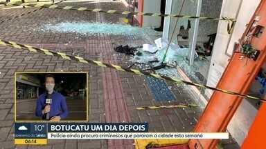 Polícia segue buscando criminosos que agiram em Botucatu - Agências bancárias e lojas foram baleadas.