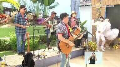 Com mais um clássico da música brasileira, Banda Xoxote canta 'Chuva' - Live trouxe o clima das festas juninas e agitou o Sul do Rio