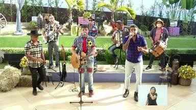 Banda Xoxote e a dupla Max Oliveira e Gustavo cantam 'Xote da Alegria' - Live trouxe o clima das festas juninas e agitou o Sul do Rio