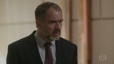 Germano descobre traição de Carolina - Lili revela que soube da paternidade de Eliza por Carol e avisa um advogado vai procurar o ex-marido com os papéis do divórcio
