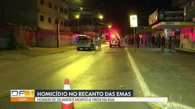 Homem é morto a tiros no Recanto das Emas - Um homem de 20 anos foi assassinado ontem à noite, na rua, no Recanto das Emas.