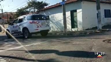 Adolescente é detido por suspeita de participar de assassinato em bar de Jacareí - Um homem foi morto e outras três pessoas foram baleadas na noite de segunda-feira