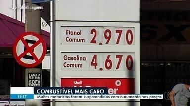Motoristas são surpreendidos com aumento do preço de combustível em Goiás - Valor subiu em muitos postos.