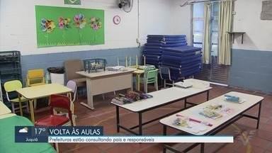 Prefeituras consultam alunos e responsáveis sobre volta às aulas presenciais - De acordo com o secretário estadual de Educação, prefeituras têm autonomia para retorno de aulas presenciais.