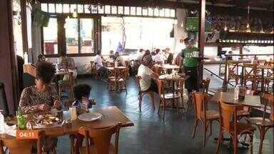 Vereadores de SP aprovam projeto sobre a reabertura das escolas - A partir desta quinta-feira, bares, restaurantes e padarias têm novo horário de funcionamento.