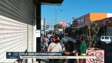 Vídeo mostra aglomeração em fila de banco em Hortolândia - De acordo com o telespectador que enviou o vídeo, o cenário é frequente.