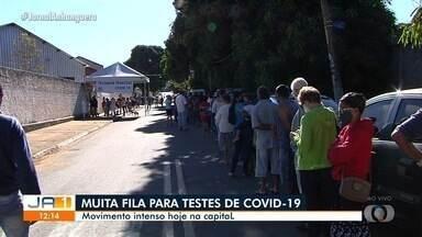 Segundo dia de testes rápidos continua com filas gigantescas, em Goiânia - Teste em massa é realizado em vários bairros, desta vez no Jardim Guanabara.