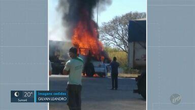 Veículos pegam fogo após acidentes de trânsito em Campinas - Motoristas conseguiram escapar nas três situações.