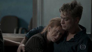 Eliza agradece a Arthur com beijo e Jonatas fica desolado - undefined