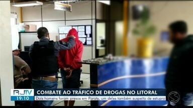 Homem é preso por estupro de vulnerável e tráfico de drogas em Paraty - Policiais foram até o endereço para verificar denúncia e encontraram menina de 13 anos, o suspeito e drogas no local. Jovem de 21 anos também foi preso.