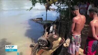 Carro é encontrado cinco meses após ser levado por correnteza em Valadares - O acidente foi no bairro São Pedro, no começo de março.