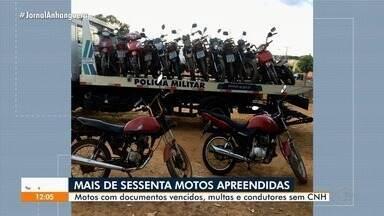 Polícia apreende dezenas de motos durante blitz, em Goiânia - Policiais fizeram blitz durante a madrugada.