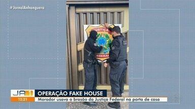 PF tira placa falsa de identificação da corporação usada em casa em Goiânia - Delegado Bruno Zane fala sobre a Operação Fake House.