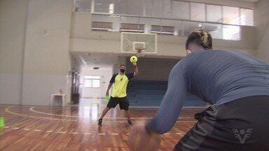 Cauê Rico e Felipe Ruivo são dois destaques da região no NBB - Dois destaques da região no NBB estão mantendo a forma com a ajuda de um armador muito conhecido no basquete santista.
