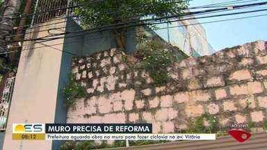 Prefeitura aguarda obra no muro de escola para continuar mudanças na avenida Vitória, ES - Veja a reportagem.