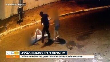 Polícia prende homem suspeito de matar vizinho, em Goiânia - Vítima tentava recuperar celular furtado pelo suspeito.