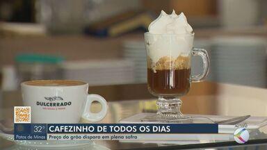 Preço do café dispara em plena safra no Alto Paranaíba - Trader de cafés da Cooperativa dos Cafeicultores do Cerrado (Expocaccer), Cláudio Castelo Branco, falou sobre o que gerou este aumento neste período do ano que deveria ser de queda.