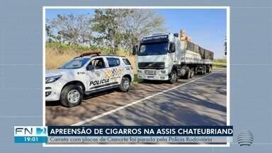 Cigarros contrabandeados do Paraguai são apreendidos em Estrela do Norte - Carreta foi abordada pela Polícia Militar Rodoviária.